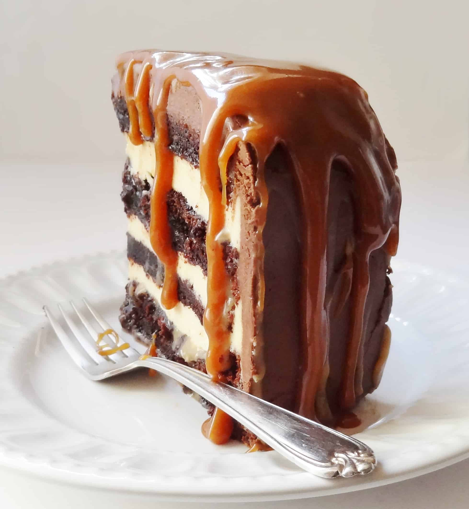 Salted caramel chocolate fudge cake domestic gothess for Simple chocolate fudge cake