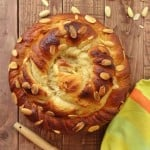 almond vanilla bread wreath