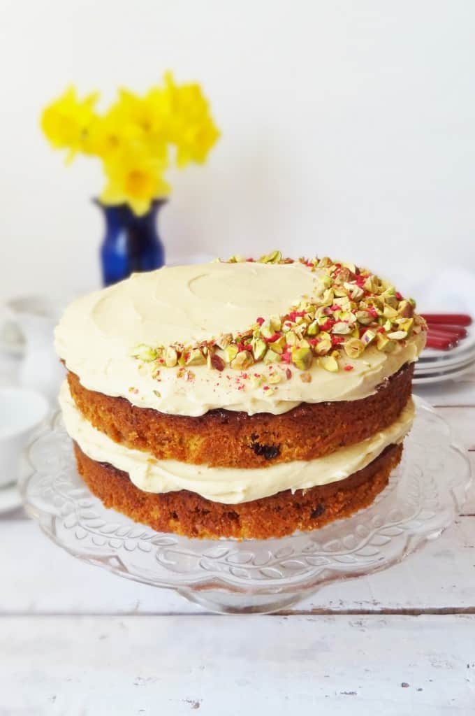 Cake Decorating Ideas With Nuts : Nielsen-Massey Carrot Cake With Vanilla Bean Icing - Domestic Gothess