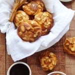 Cardamon and almond cinnamon buns - Domestic Gothess