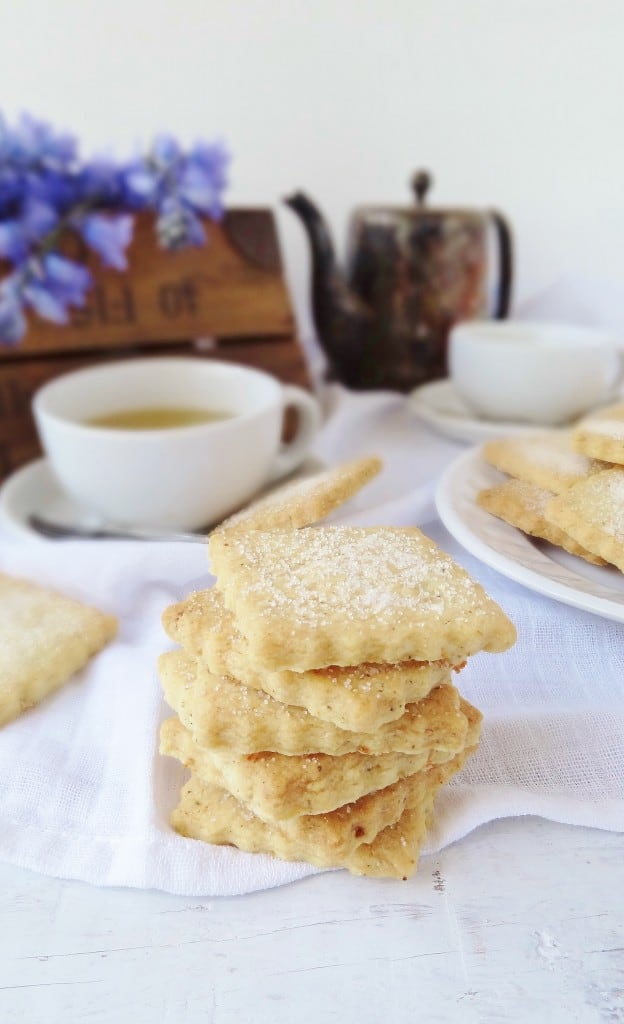 Chamomile tea & lemon shortbread cookies - Domestic Gothess