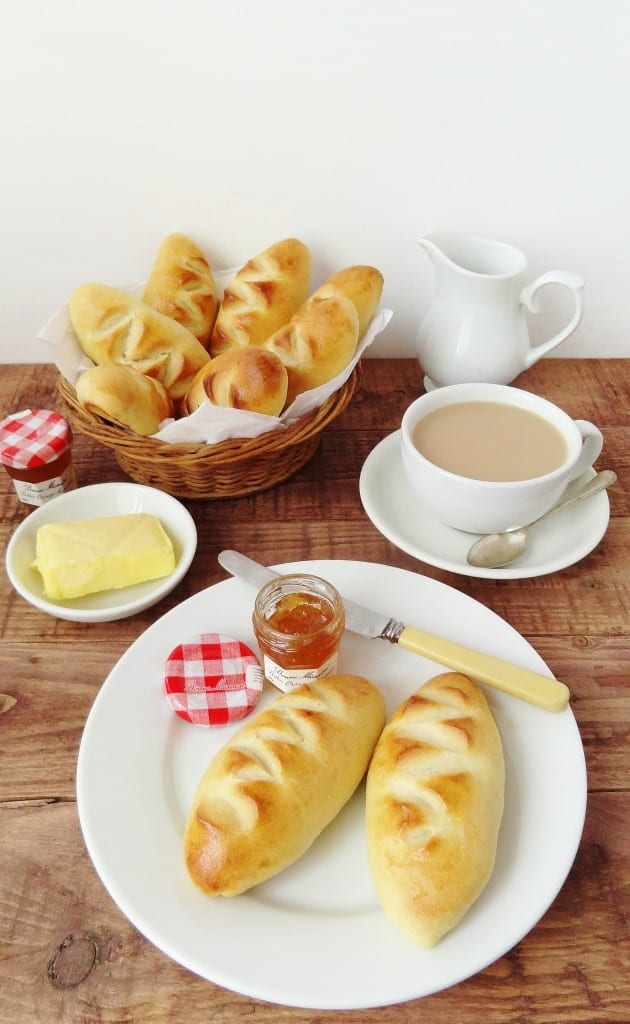 Pain au crème - double cream bread rolls - Domestic Gothess