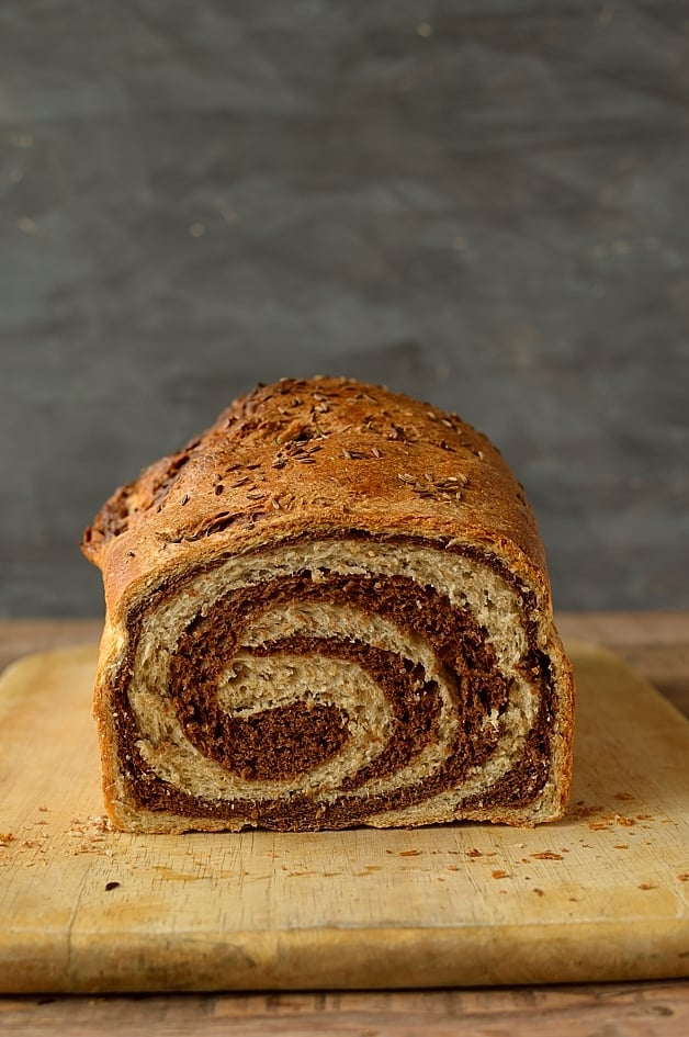 Swirly marbled rye bread - Domestic Gothess