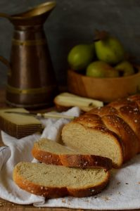 Semolina and rosemary bread made with honey and olive oil