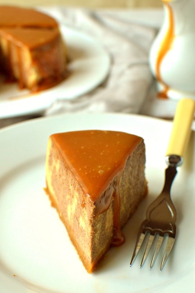 Slow cooker chocolate caramel ginger cheesecake - Domestic Gothess
