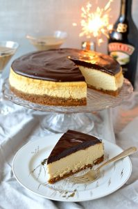 Baileys Irish Cream cheesecake with gingersnap crust & Baileys ganache and recipe for a Flat White Martini - Domestic Gothess