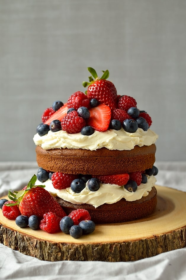 Summer berry, cider and cinnamon cake with vanilla mascarpone frosting