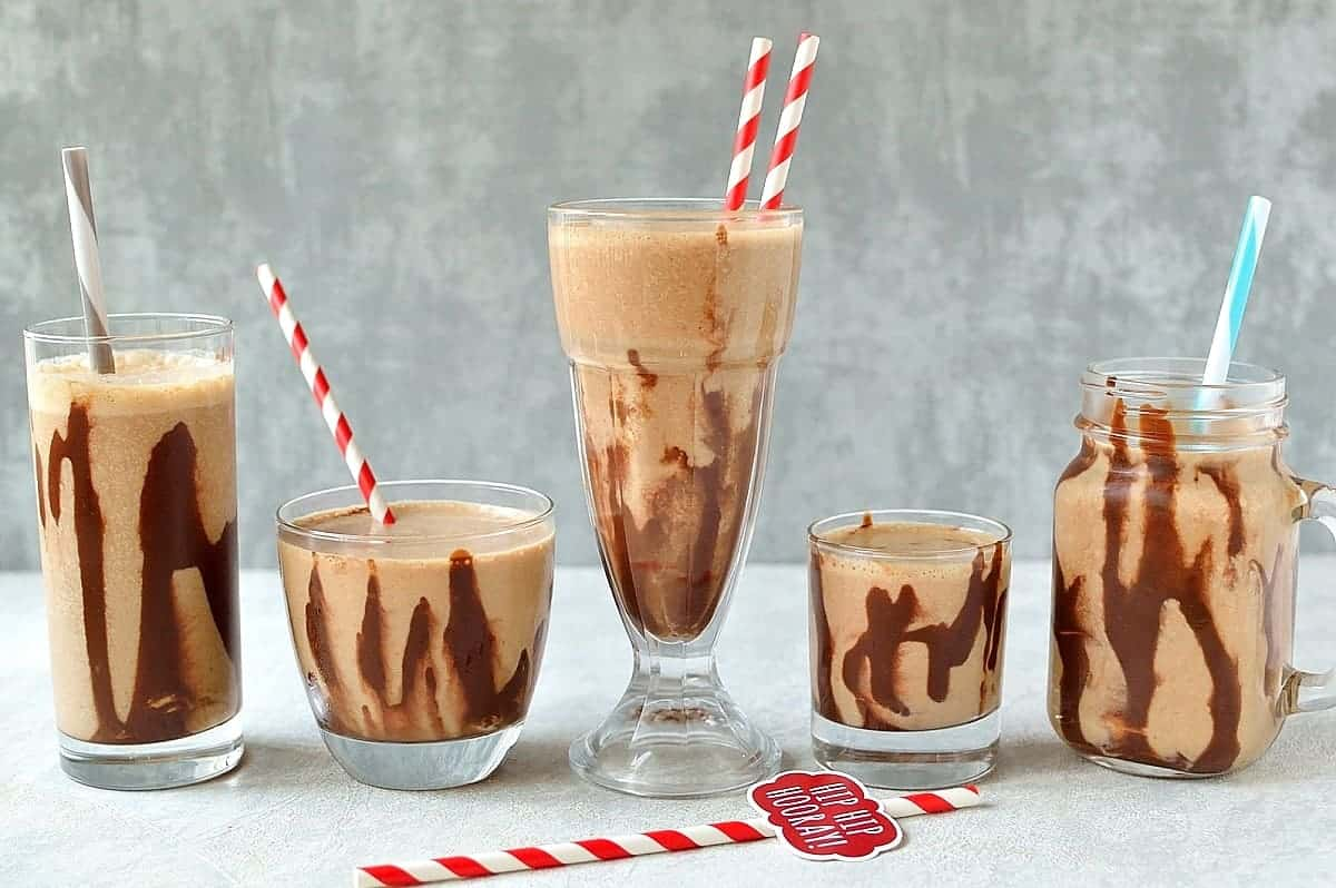 Chocolate peanut butter banana breakfast smoothie - nutritious, filling and delicious!