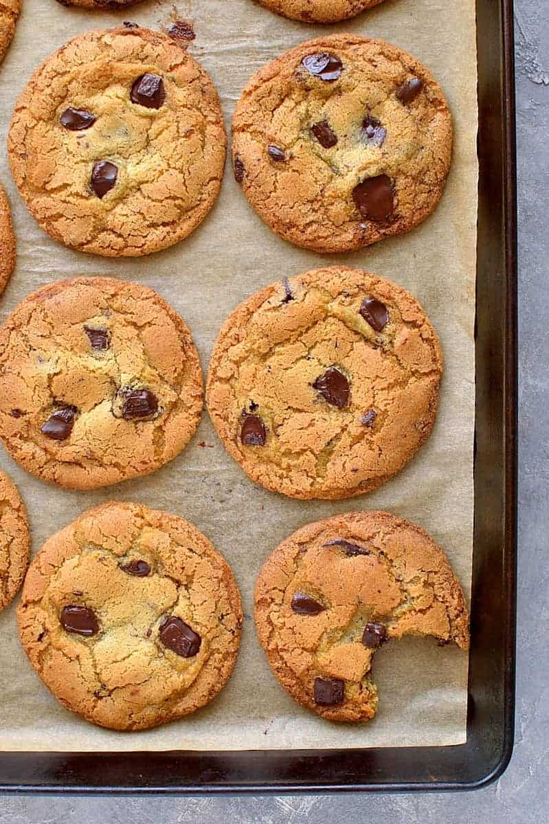 My Favourite Chewy Chocolate Chip Cookies - Domestic Gothess