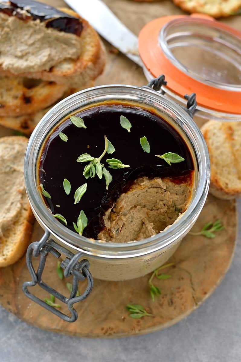 Mushroom pâté - a tasty vegetarian mushroom pâté made with dried porcini mushrooms for extra flavour. Great as a starter, canape or sandwich filling.
