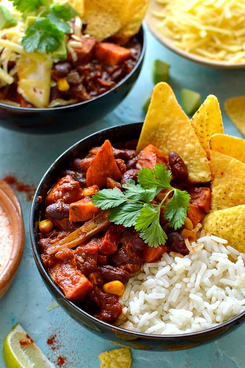 Easy veggie chilli recipe - a quick, easy, healthy and delicious recipe for vegan chilli