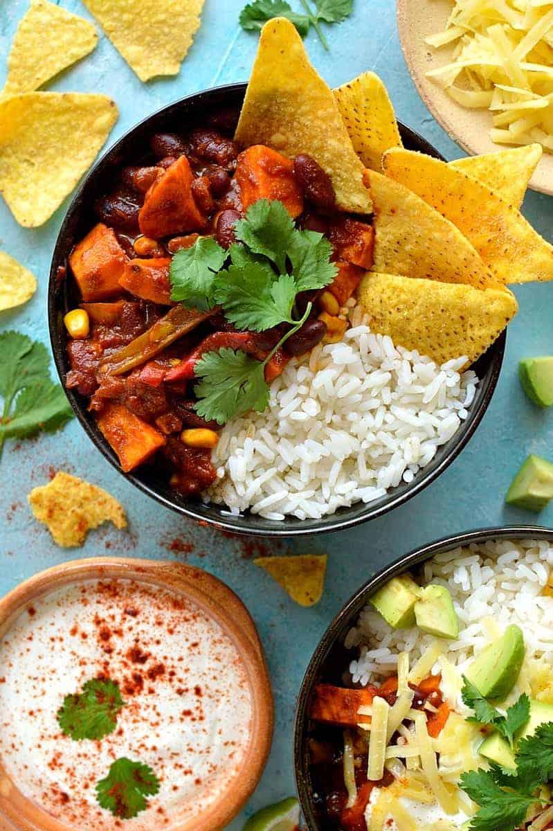 Easy veggie chilli recipe - a quick, easy, healthy and delicious recipe for vegan chilli