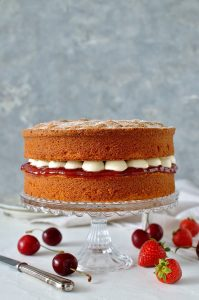 Classic Victoria sponge cake (Victoria sandwich) - the perfect tea time treat!