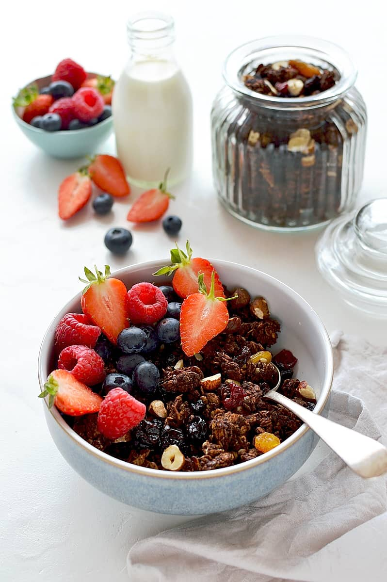 Chocolate berry granola - a healthy way to eat chocolate for breakfast!