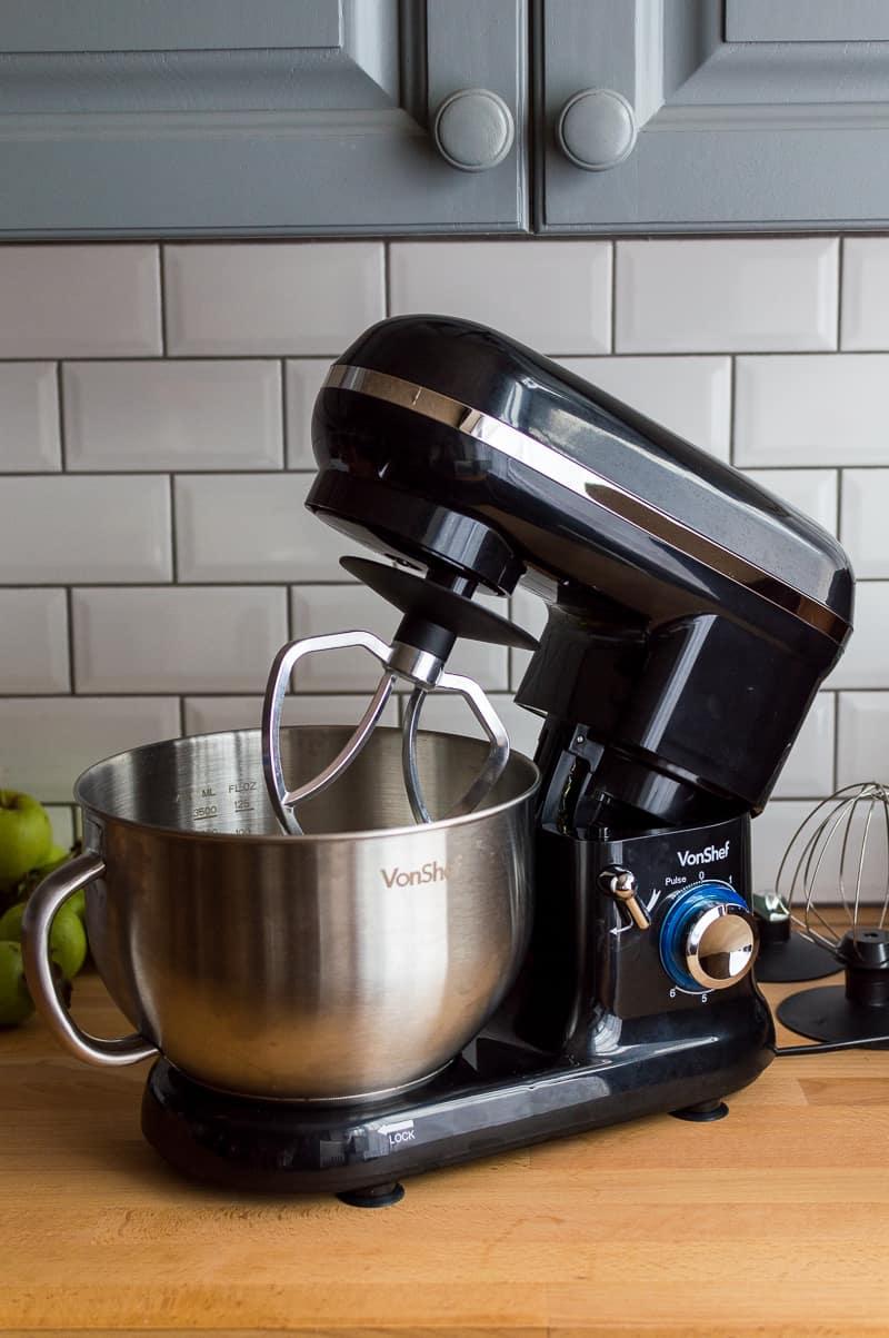 VonShef 1260W black stand mixer with tilt head