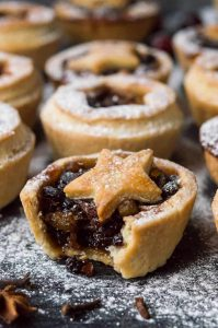 Vegan mince pies - a vegan version of the popular Christmas treat with boozy, easy to make home-made mincemeat and crisp coconut oil pastry. #Christmas #baking #vegan