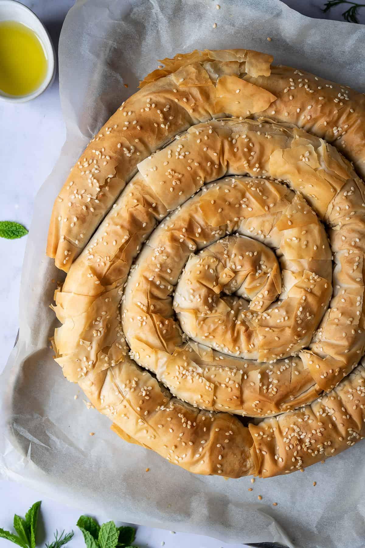 Close up fo vegan spanakopita spiral