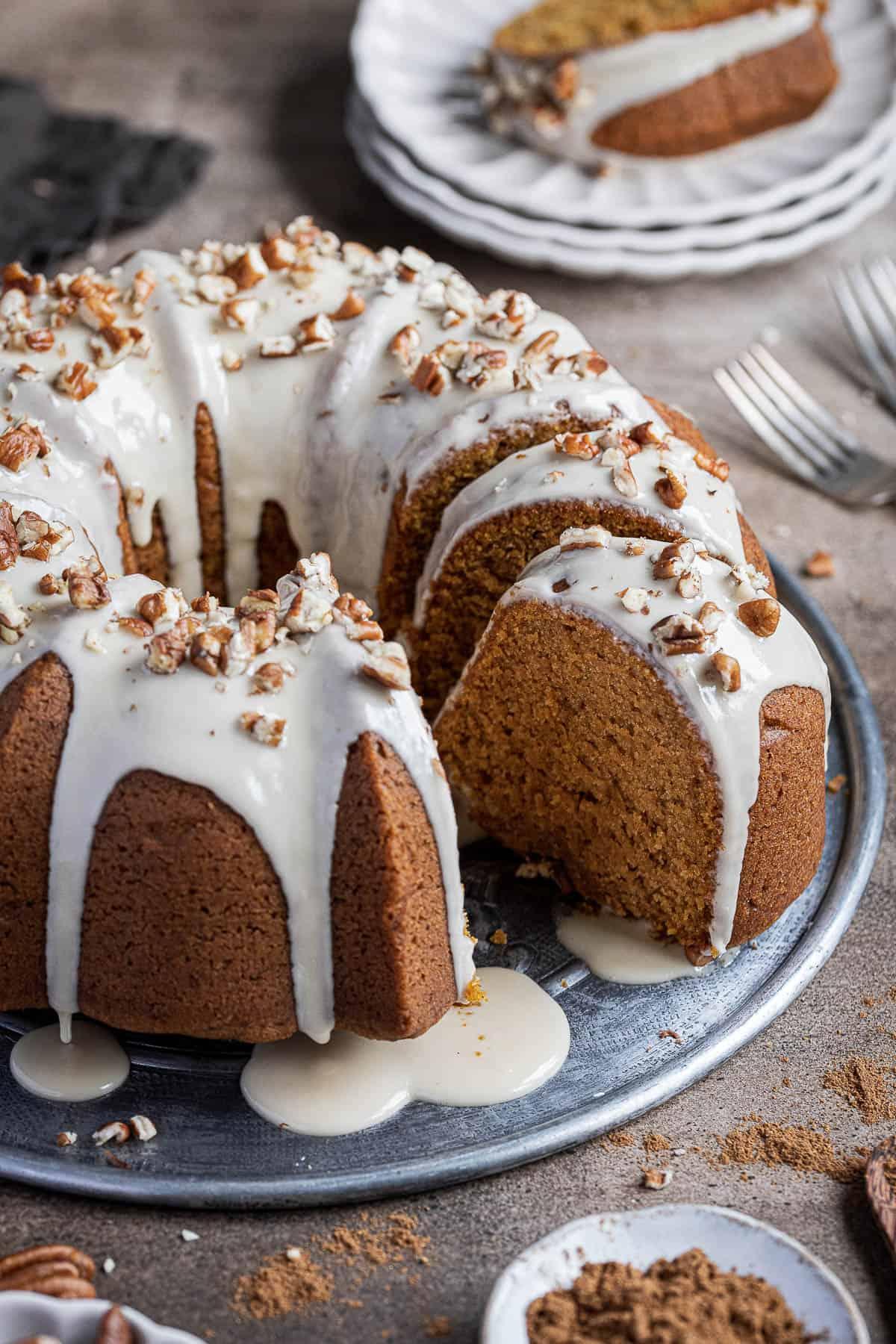 Close up of the sliced bundt cake.